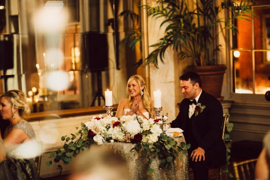Sweetheart-table-with-bride-and-groom1-1024x683