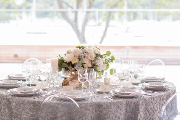 Pale-Green-and-Blue-Wedding-Table-600x400